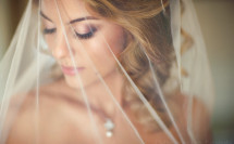 Свадебный портрет невесты с фатой
